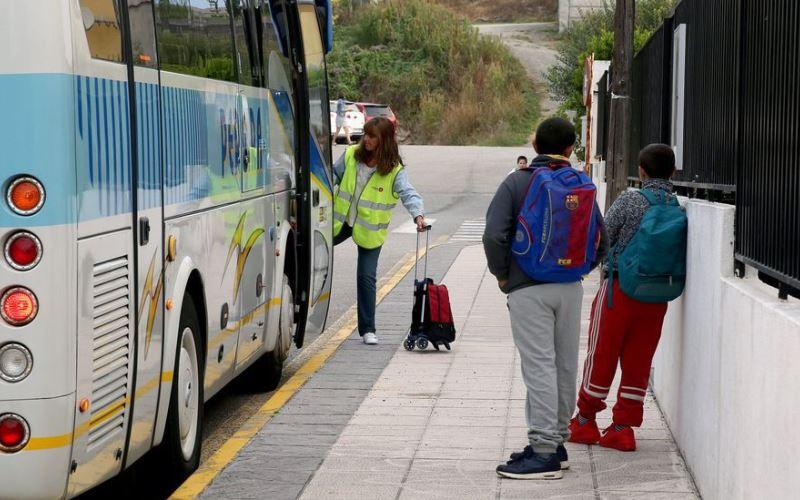 El servicio de transporte y la presencia de un Monitor de Transporte Escolar